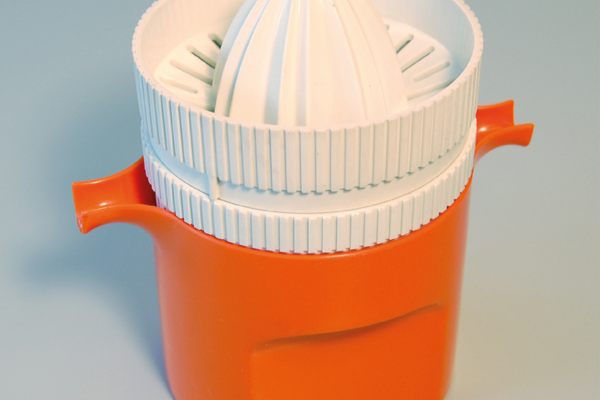 Bilde av sitruspresse i plast.