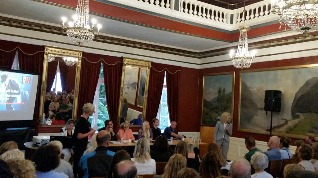 Tone Hansen, Høvikodden inneder på NOKUs debatt på Arendal Gamle Rådhus under Arendalsuka 2018